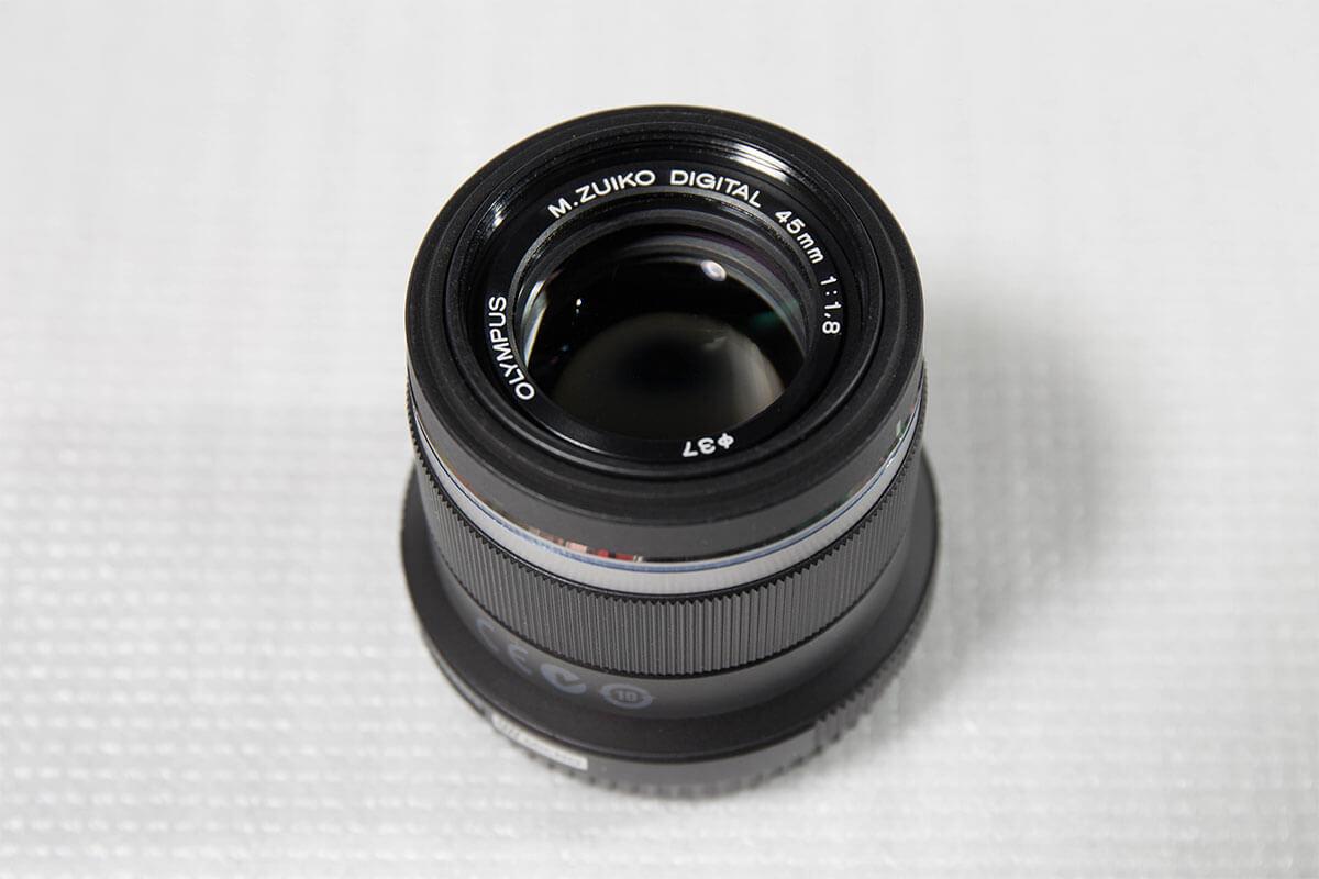 オリンパス 45mm F1.8