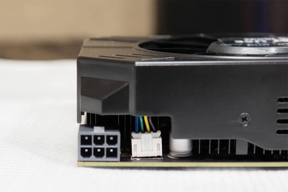 ZOTAC GeForce GTX 960 ZT-90311-10M 4GBモデル 補助電源コネクタ