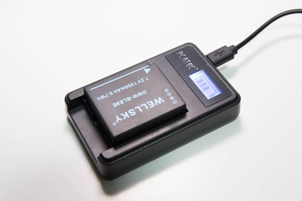 「PCATEC」互換充電器