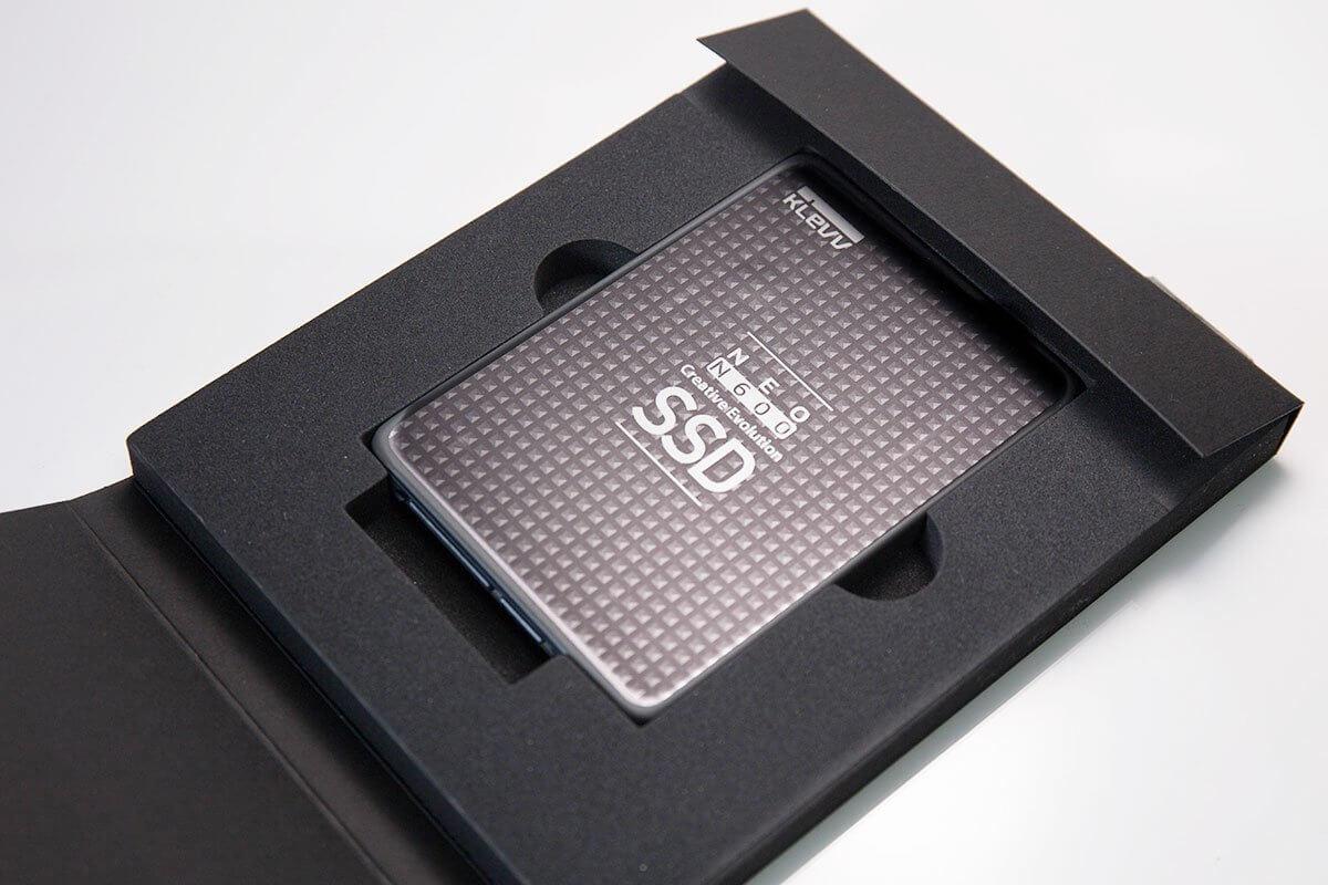 klevv SSD外観